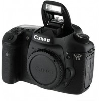 Canon EOS 7D Mark II Professional DSLR Camera with 18-135 usm