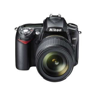 Nikon D90 with 18-105mm (London Used)